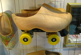 IMG 4245 - Roller Clogs