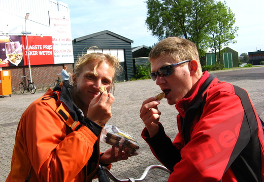 IMG 4287 - Bas and Paul trying Bokkepootjes, typical dutch cookies